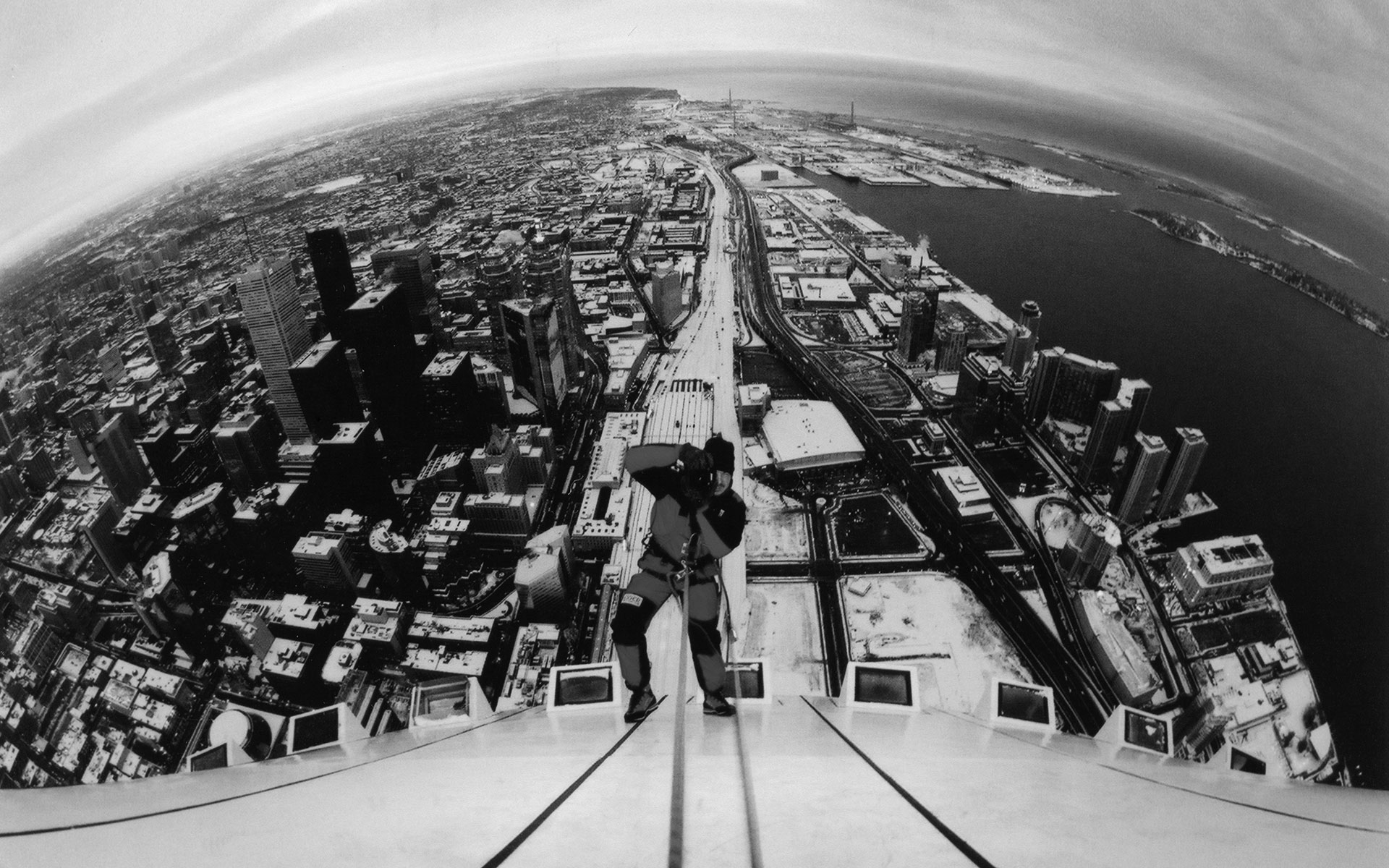 World's First Rope Access on CN Tower