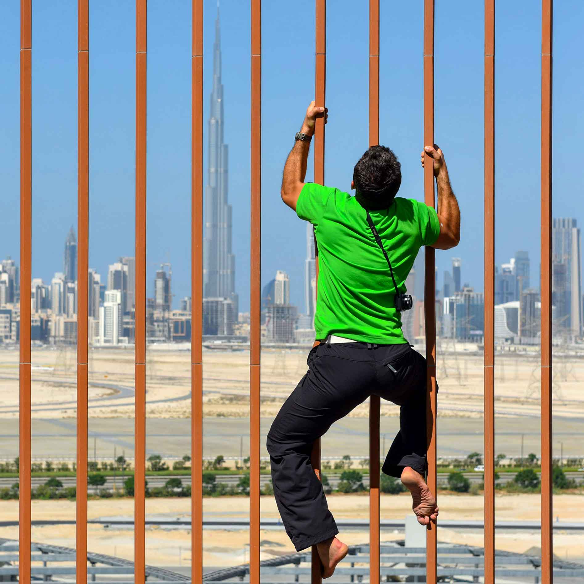 With #nikonJ1, #Fortiswatch, #BurjKhalifa, #Dubai, #WorldAIShow